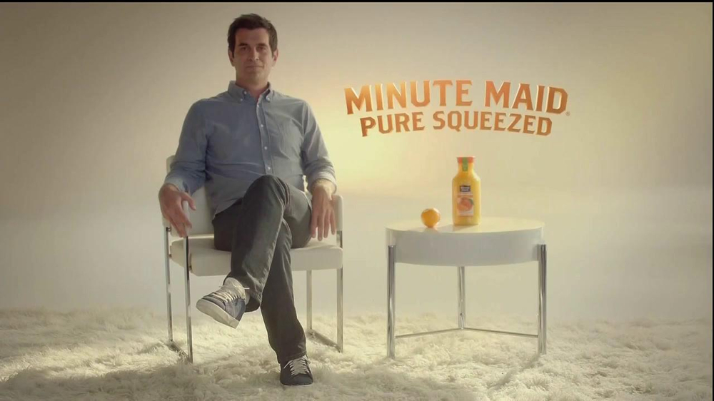Minute Maid Pure Squeezed TV Spot 'Jealous Orange' Featuring Ty Burrell - Screenshot 1