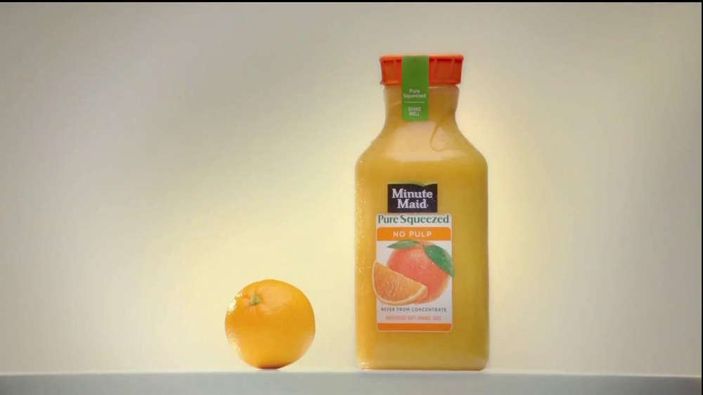 Minute Maid Pure Squeezed TV Spot 'Jealous Orange' Featuring Ty Burrell - Screenshot 2