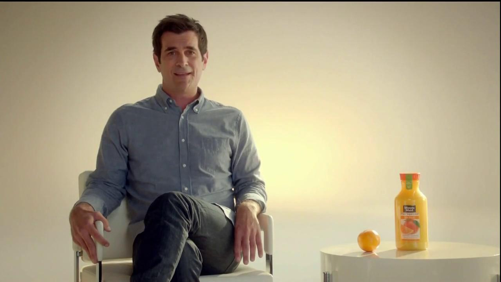Minute Maid Pure Squeezed TV Spot 'Jealous Orange' Featuring Ty Burrell - Screenshot 3