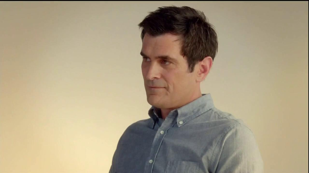 Minute Maid Pure Squeezed TV Spot 'Jealous Orange' Featuring Ty Burrell - Screenshot 6