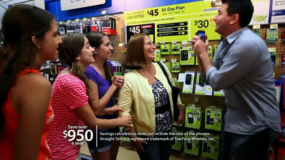Walmart TV Spot For Walmart Wireless Frost Family - Screenshot 5