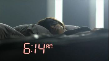Olay TV Spot Regenerist Anti-Aging Eye Roller, 'Wake Up Time' - Thumbnail 1