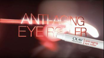 Olay TV Spot Regenerist Anti-Aging Eye Roller, 'Wake Up Time' - Thumbnail 6