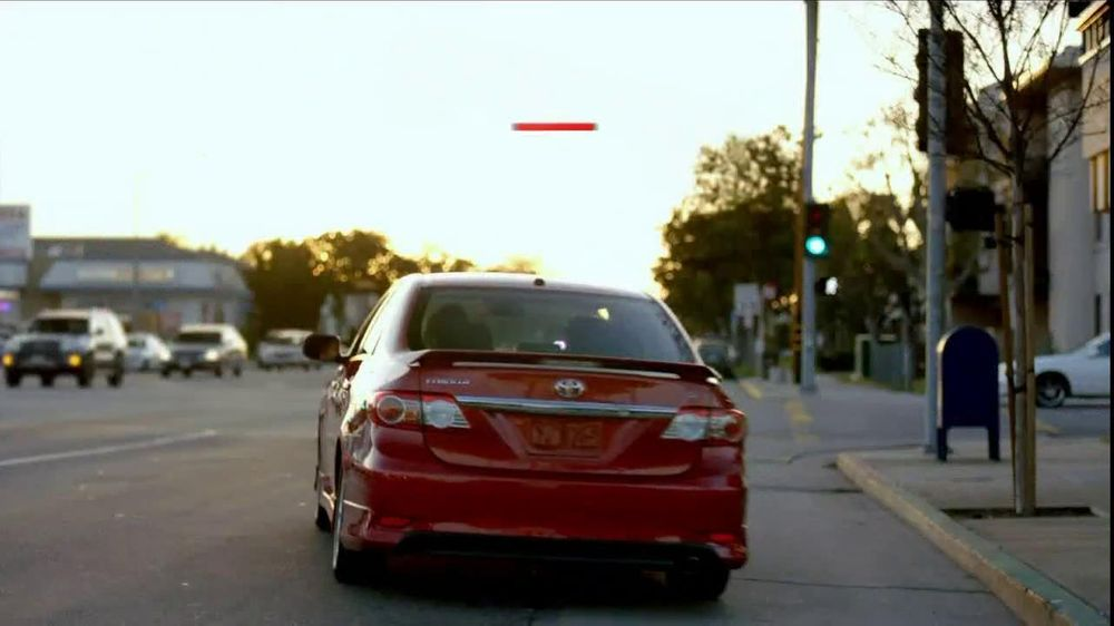 Toyota TV Spot For Corolla Food Rating - Screenshot 8