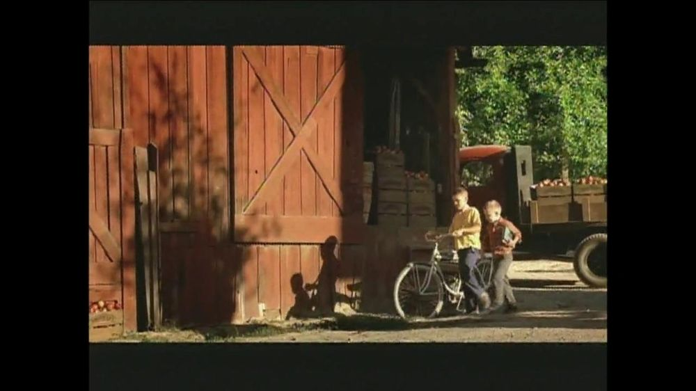 Smucker's TV Spot For Smucker Name  - Screenshot 3