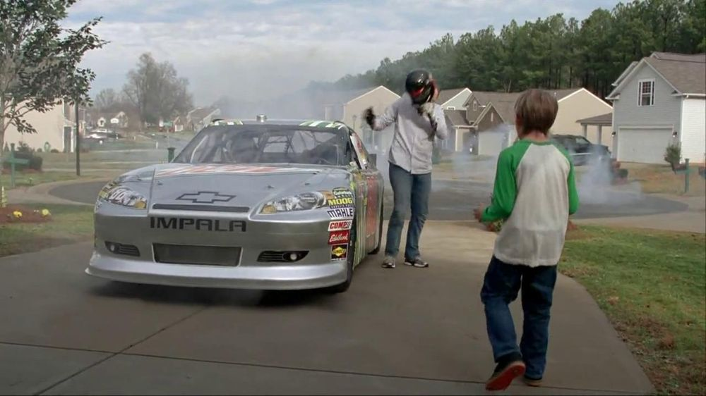 Mountain Dew TV Spot Featuring Dale Earnhardt, Jr. - Screenshot 3