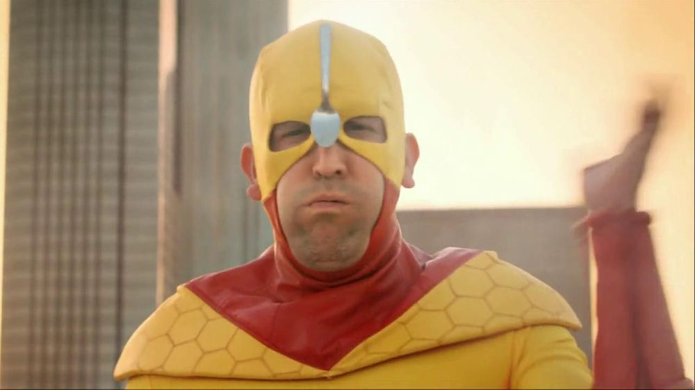 Kellogg's Crunchy Nut Cereal TV Spot Featuring A Man In Yellow Tights - Screenshot 4