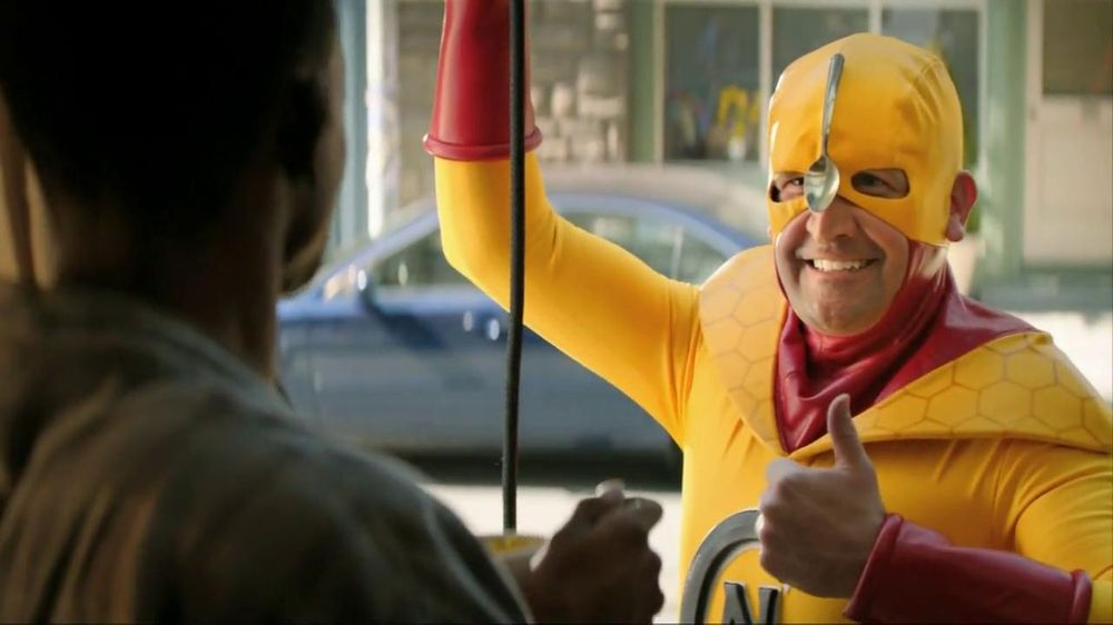 Kellogg's Crunchy Nut Cereal TV Spot Featuring A Man In Yellow Tights - Screenshot 7