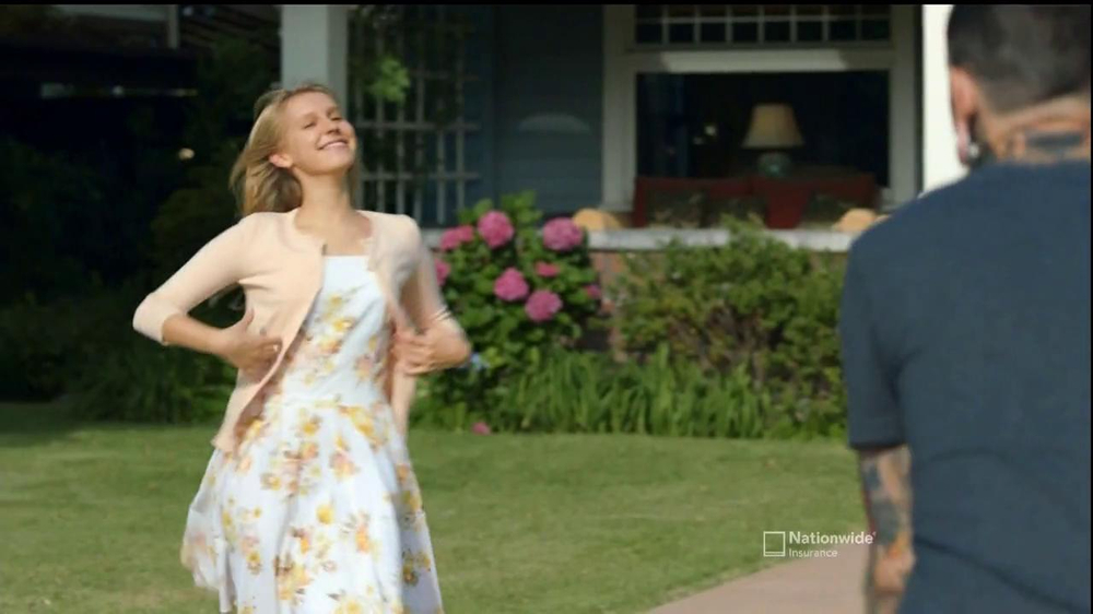 Nationwide Insurance TV Spot, 'Vanishing Deductible' Feat. Julia Roberts - Screenshot 10