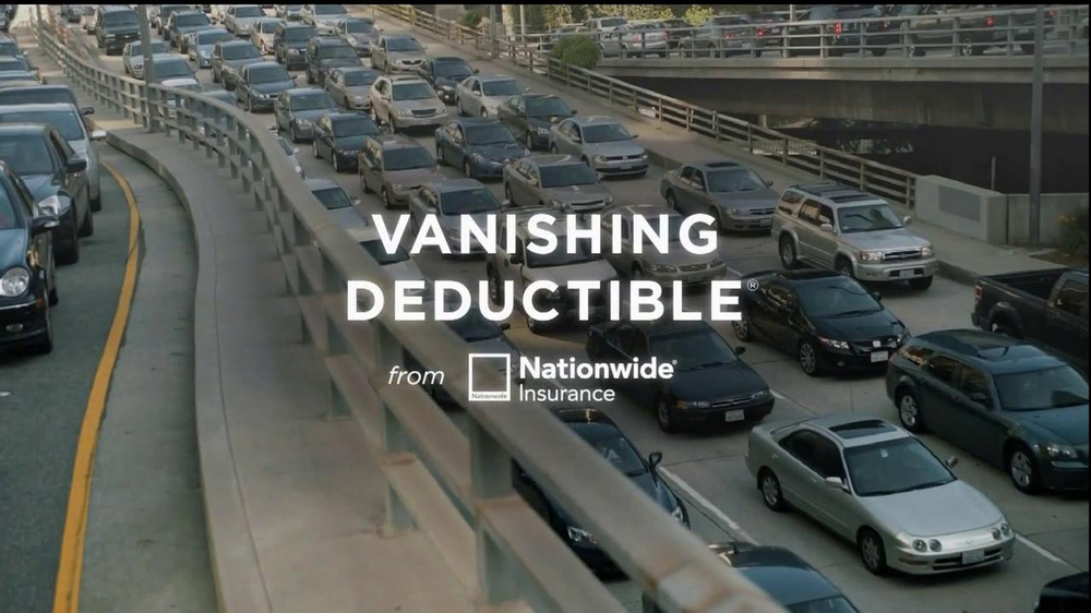 Nationwide Insurance TV Spot, 'Vanishing Deductible' Feat. Julia Roberts - Screenshot 6