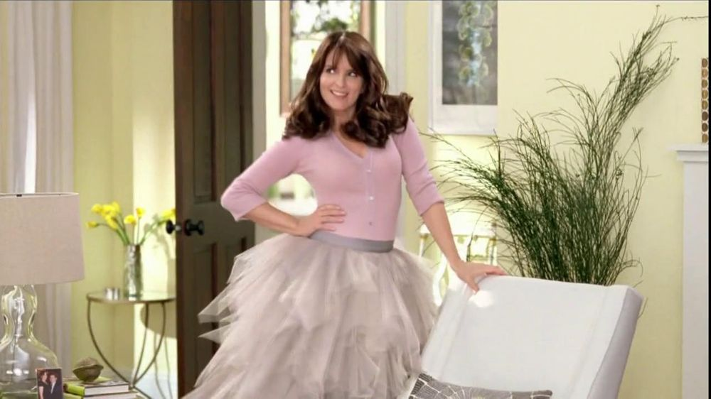 Garnier Nutrisse TV Spot, 'Crazy Gorgeous' Featuring Tina Fey - Screenshot 3