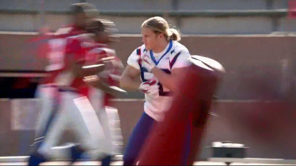 Depends TV Spot For Real Fit Featuring Pro Football Players - Screenshot 4