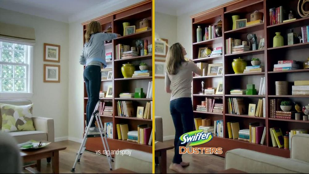 Swiffer 360 Duster Extender TV Spot, 'Book' - Screenshot 6