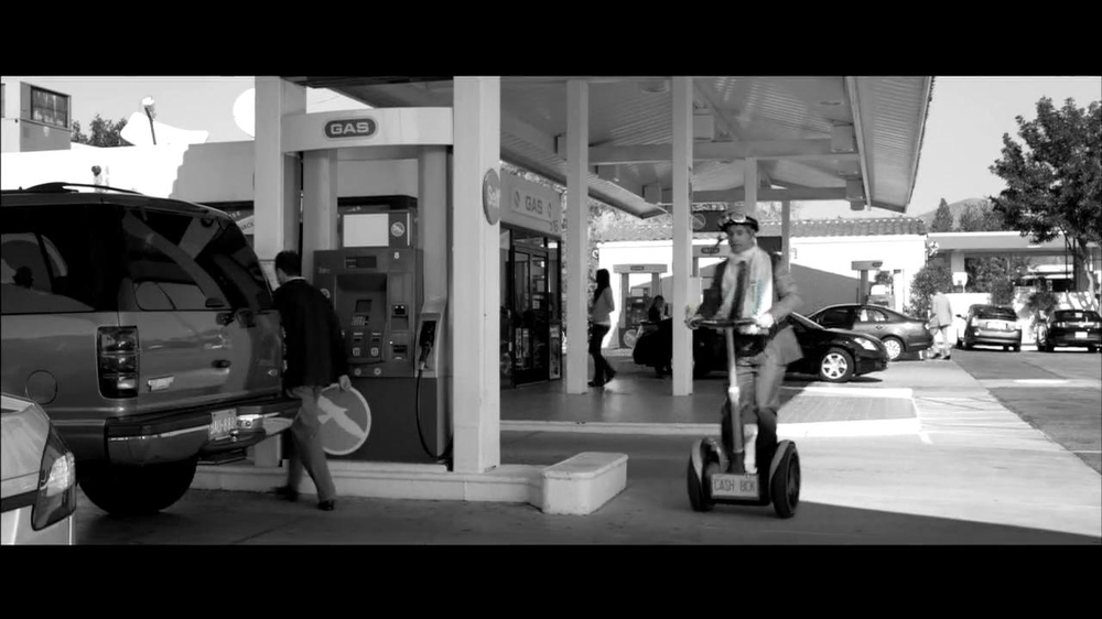 Chase Freeddom TV Spot, 'Cash Back At Gas Stations' - Screenshot 1