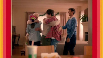 McDonald's Chicken McNuggets TV Spot, 'Abrazar a Familia' [Spanish]