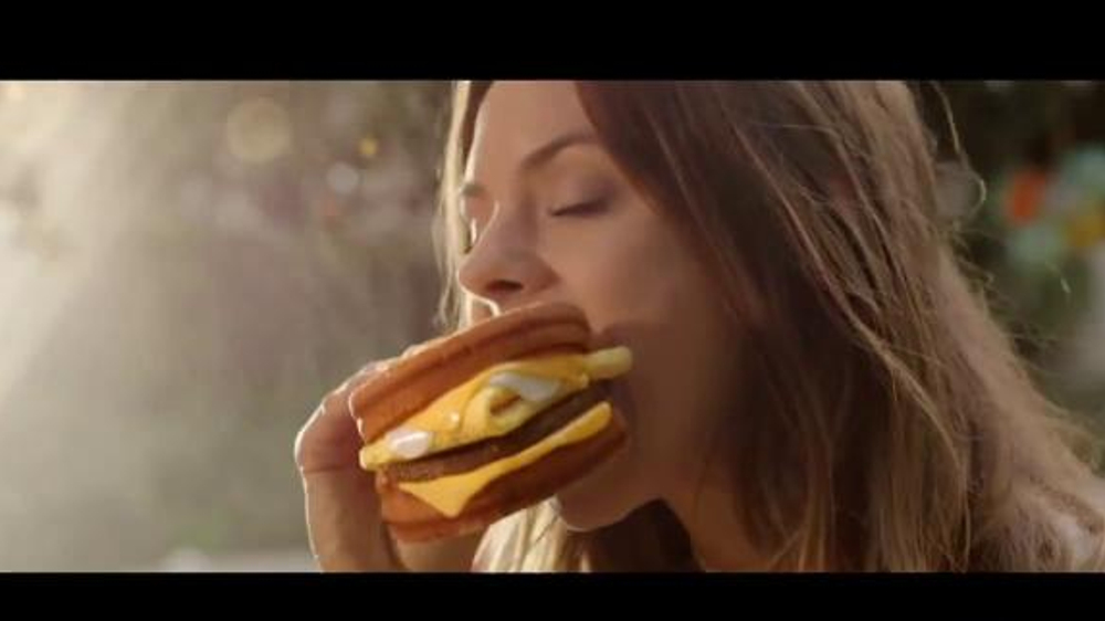 Carl's Jr. Grilled Cheese Breakfast Sandwich TV Commercial ...