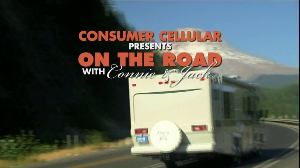 Consumer Cellular TV Spot, 'On-the-Go'  - Screenshot 1