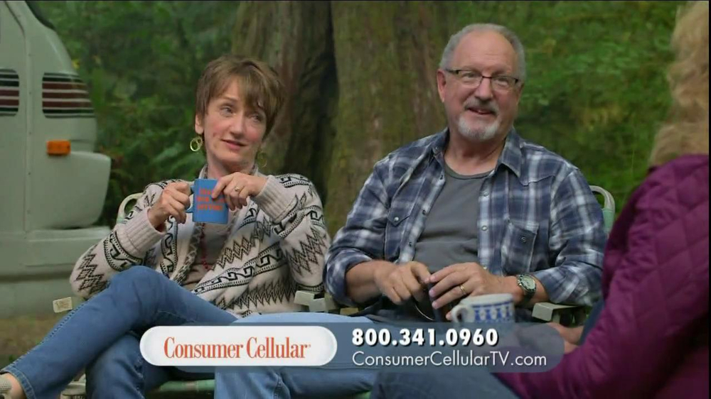 Consumer Cellular TV Spot, 'On-the-Go'  - Screenshot 4