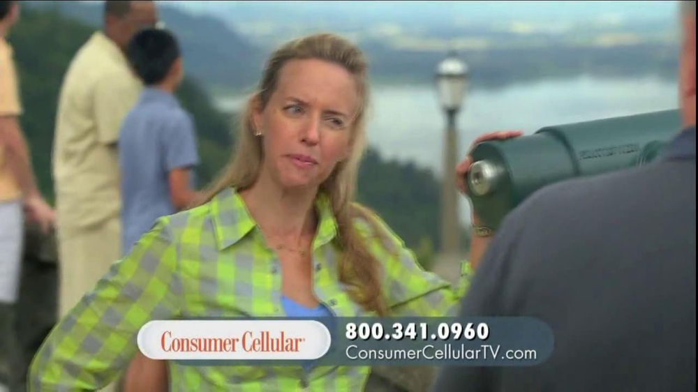 Consumer Cellular TV Spot, 'On-the-Go'  - Screenshot 6