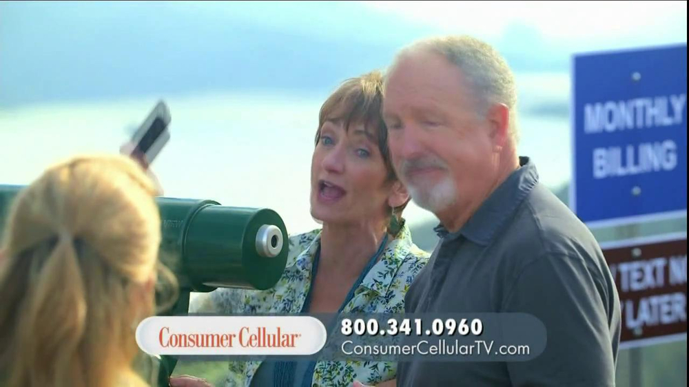 Consumer Cellular TV Spot, 'On-the-Go'  - Screenshot 7