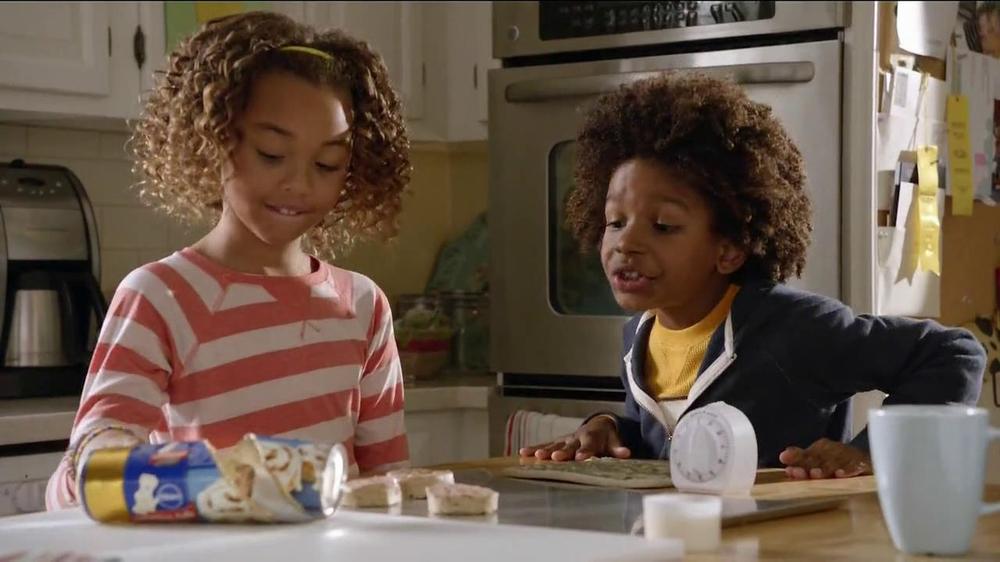 Pillsbury Cinnabon Rolls TV Commercial,