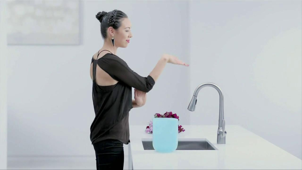 Moen TV Spot, 'Faucet Dance' - Screenshot 2