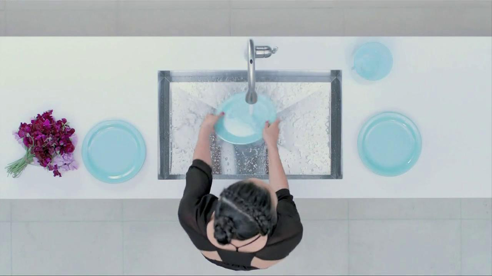 Moen TV Spot, 'Faucet Dance' - Screenshot 5