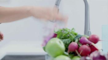 Moen TV Spot, 'Faucet Dance' - Thumbnail 7