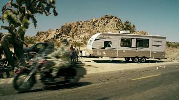 GEICO Motorcycle Money Man TV Spot, 'Driving Through' - Thumbnail 4