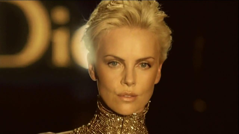 J'Adore Dior TV Spot Feat. Charlize Theron, Song by The Gossip - Screenshot 10