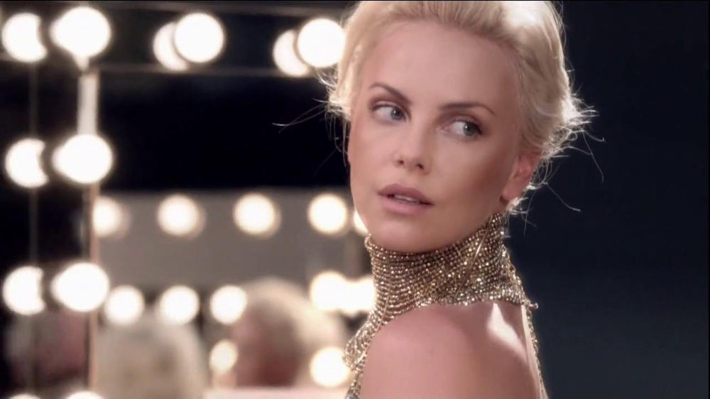 J'Adore Dior TV Spot Feat. Charlize Theron, Song by The Gossip - Screenshot 6