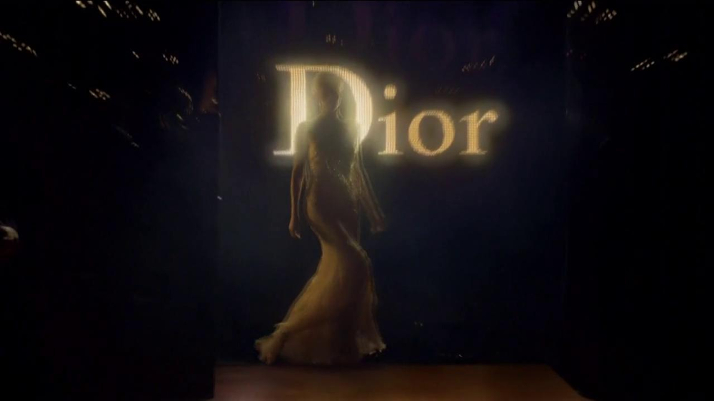 J'Adore Dior TV Spot Feat. Charlize Theron, Song by The Gossip - Screenshot 8