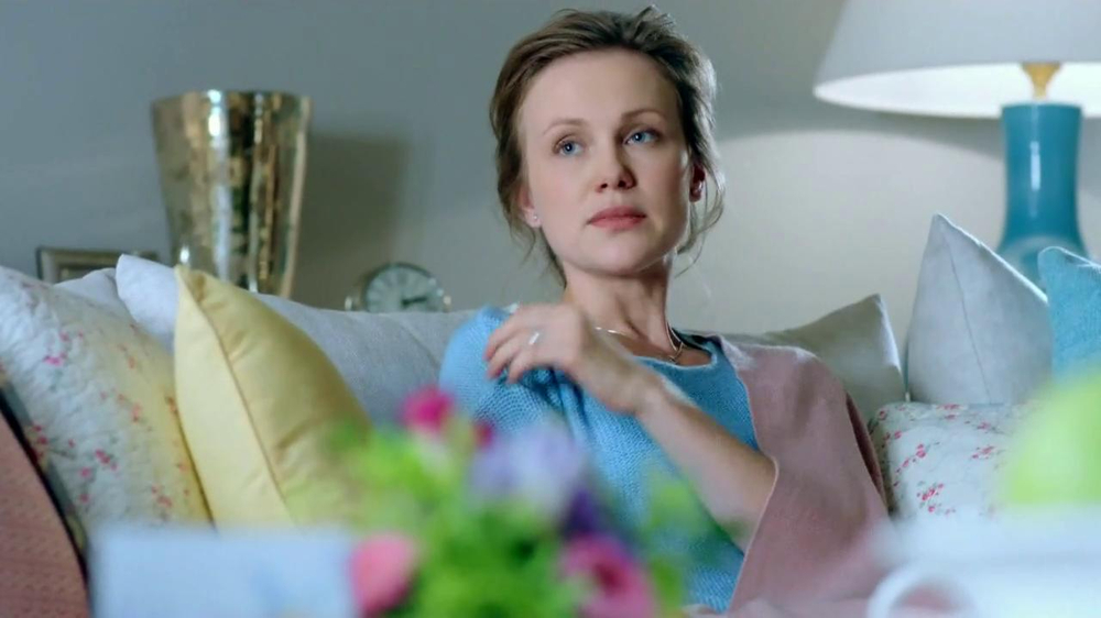 Kleenex Care Pack TV Spot, 'Get Well' - Screenshot 2