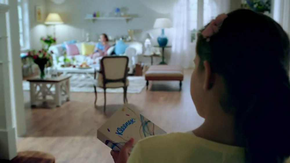 Kleenex Care Pack TV Spot, 'Get Well' - Screenshot 3