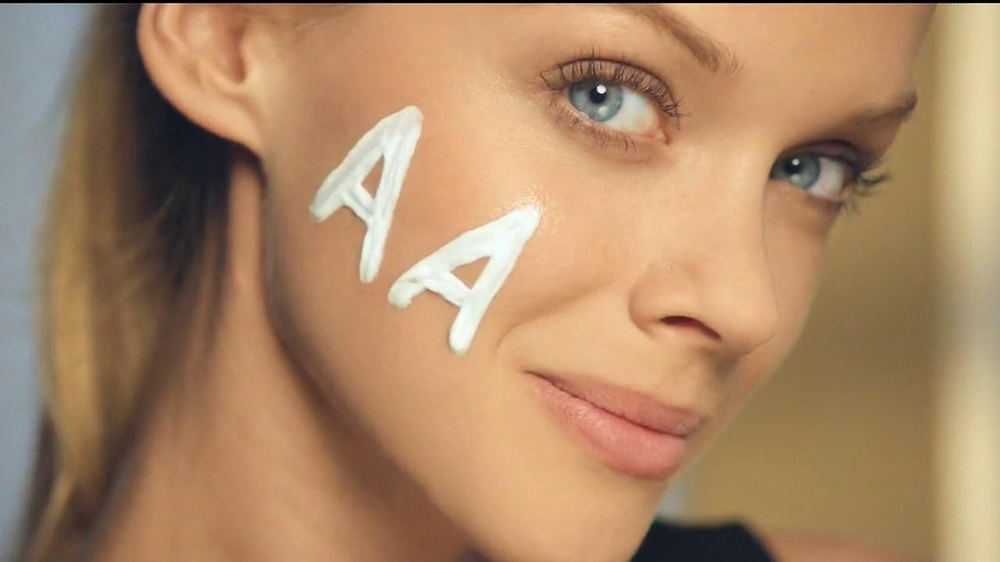 Olay Total Effects CC Cream TV Spot - Screenshot 2