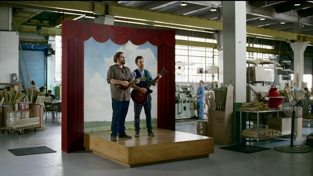 GEICO TV Spot, 'Happier Than a Witch in a Broom Factory' - Screenshot 9