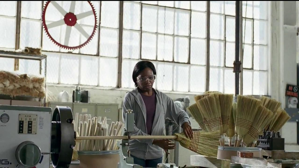 GEICO TV Spot, 'Happier Than a Witch in a Broom Factory' - Screenshot 2