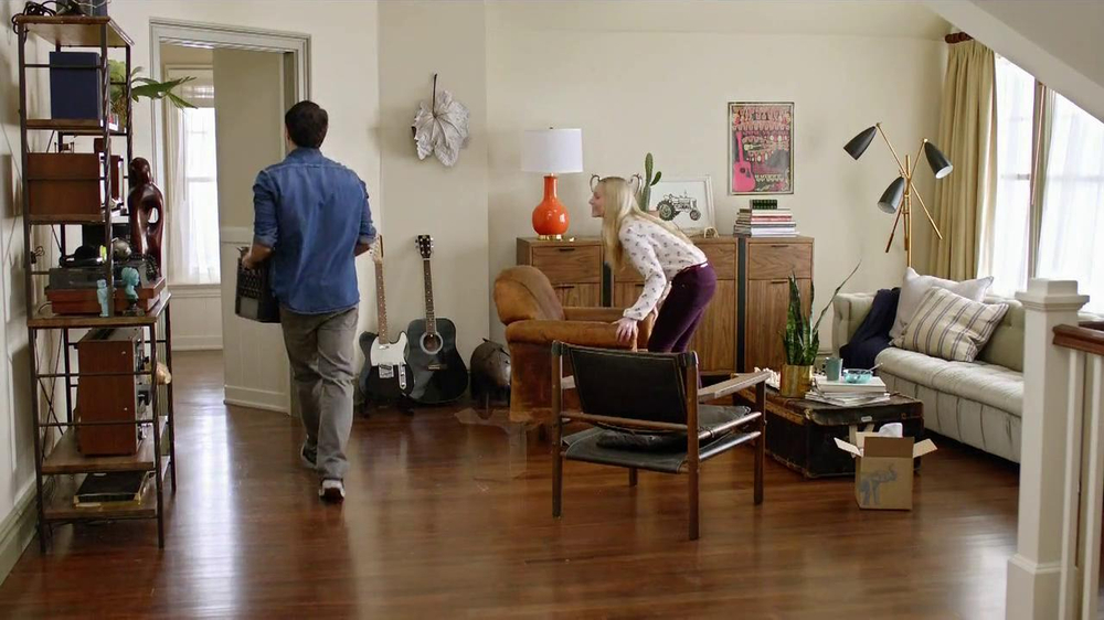 One Kings Lane TV Spot, 'The Move In' - Screenshot 2