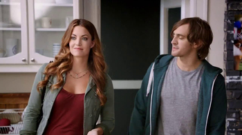 Hot Pockets Pizzeria TV Spot, 'Hot Sister Lisa' Featuring Becky O'Donohue - Thumbnail 2