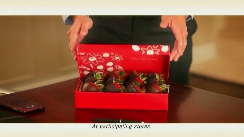 Edible Arrangements TV Spot 'Chocolate Strawberries' - Screenshot 5