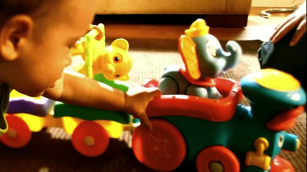 Disney Baby Sing-Along Choo-Choo TV Spot, 'Joy of Learning' - Screenshot 4
