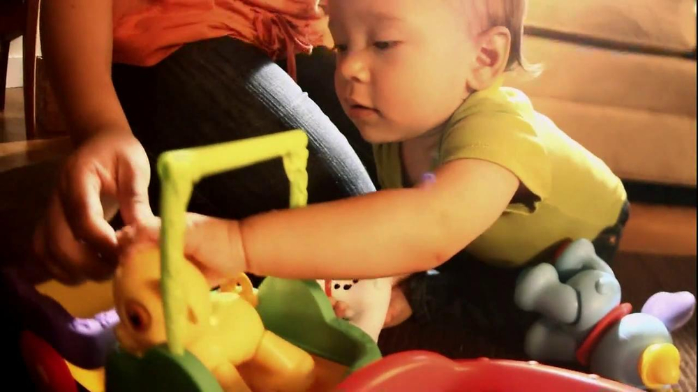 Disney Baby Sing-Along Choo-Choo TV Spot, 'Joy of Learning' - Screenshot 9