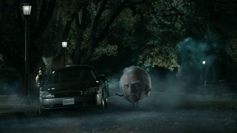 Snickers Halloween Satisfaction TV Spot, 'Horseless Headsman' - Screenshot 1
