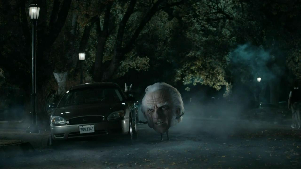 Snickers Halloween Satisfaction TV Spot, 'Horseless Headsman' - Screenshot 2