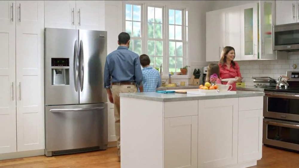 Frigidaire Flexible French-Door Refrigerator TV Spot - Screenshot 10