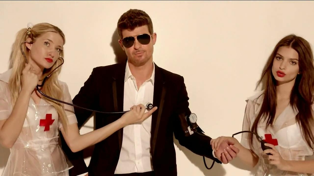 Beats Pill TV Spot, Song by Robin Thicke - Screenshot 9