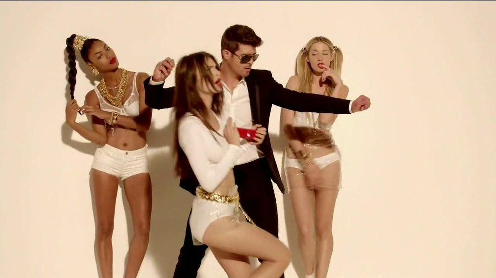 Beats Pill TV Spot, Song by Robin Thicke - Screenshot 5