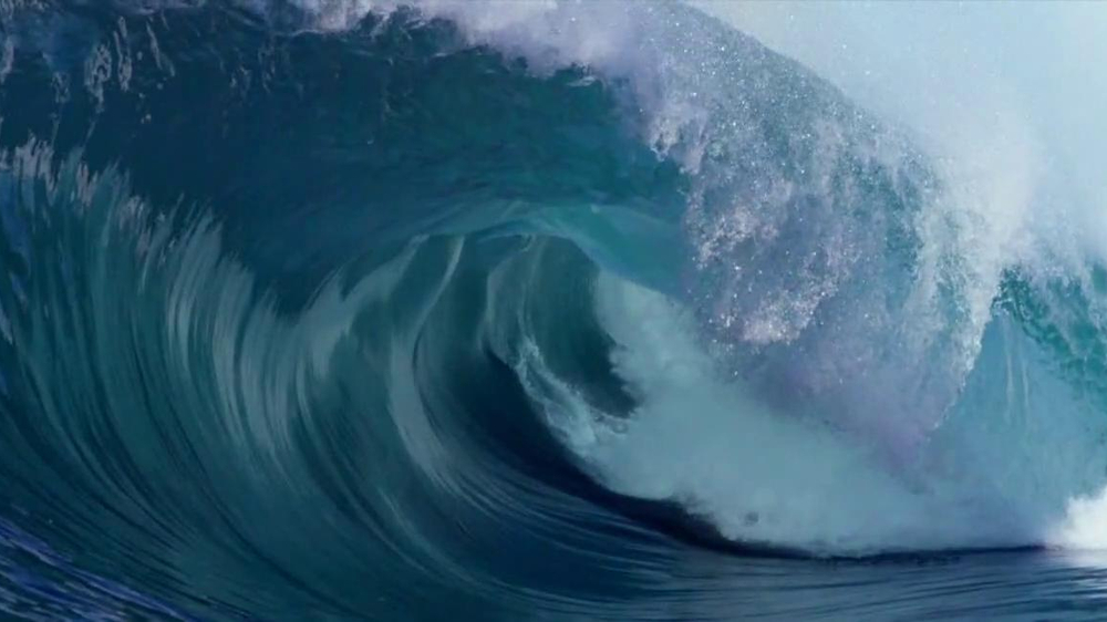 2013 Mazda3 TV Spot, 'Tow-in Surfing' Featuring Laird Hamilton - Screenshot 2