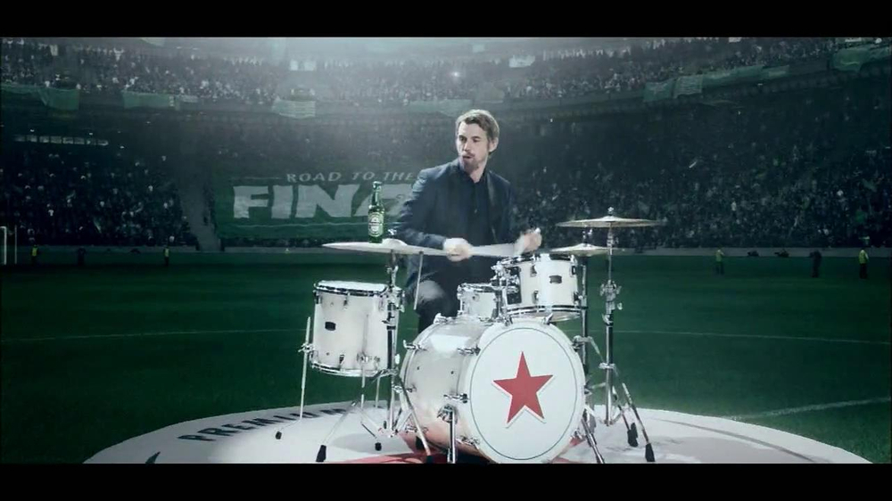 Heineken TV Spot, 'Champions League: Drums' - Screenshot 4