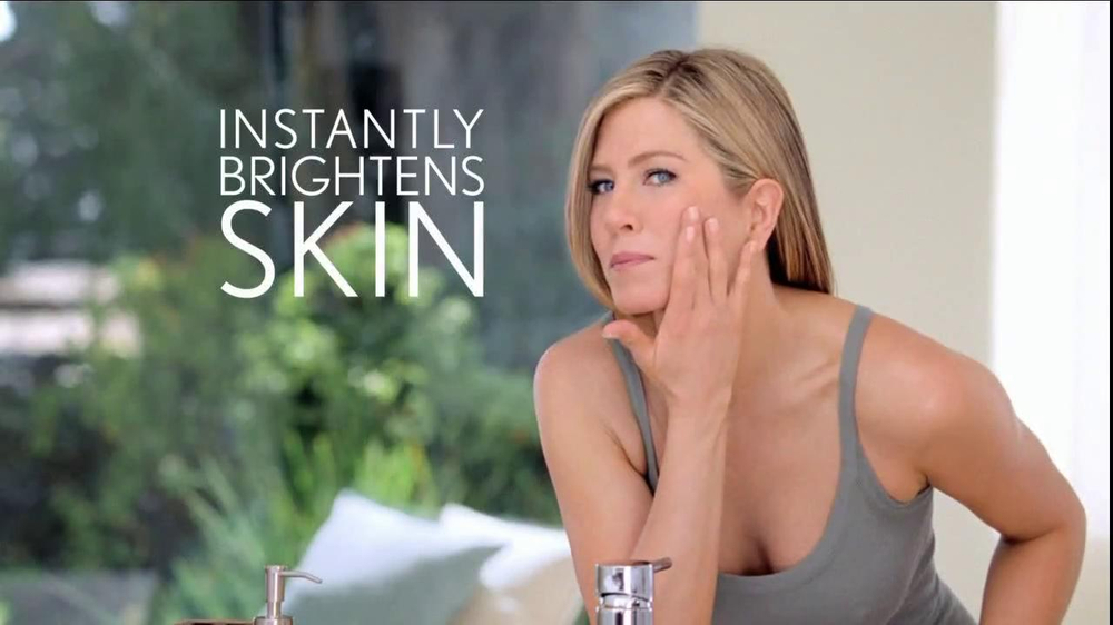 Aveeno Positively Radiant TV Spot, 'Spots' Featuring Jennifer Aniston - Screenshot 4
